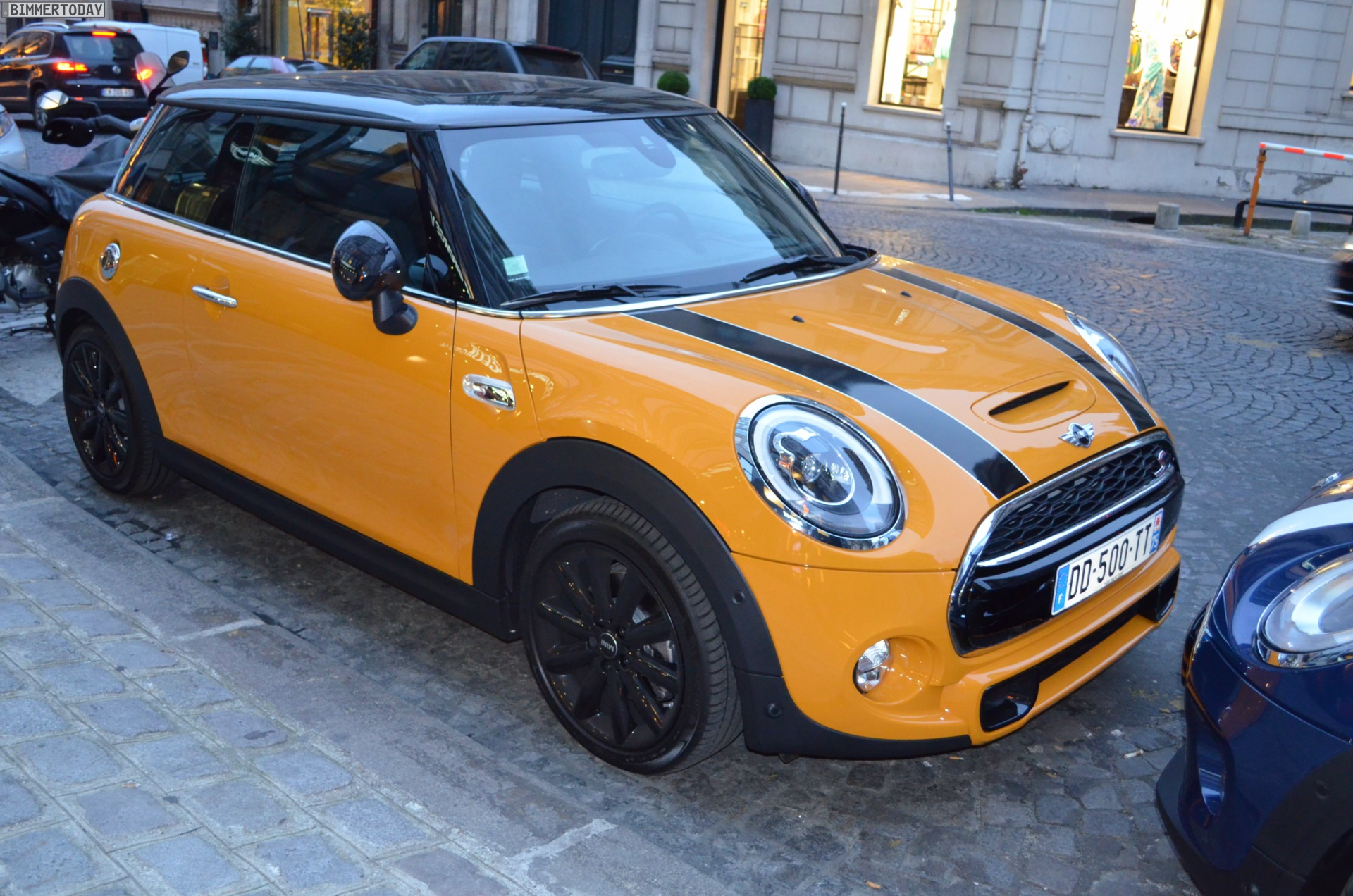 MINI F56 George V Paris Flagship Store 02