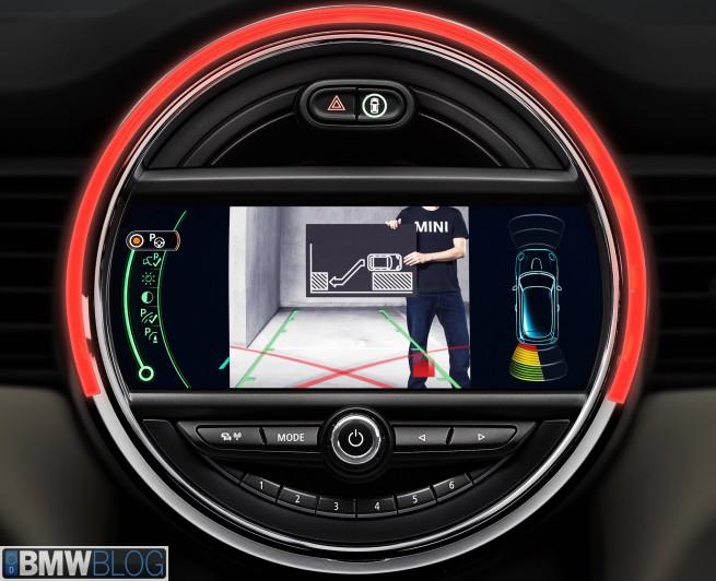 MINI driver assist systems 07 655x532