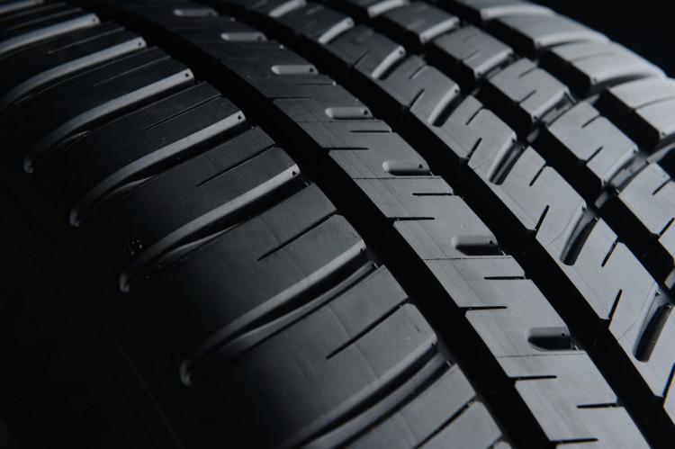 Michelin Pilot Sport All Season 3 Tread Detail 2 750x499