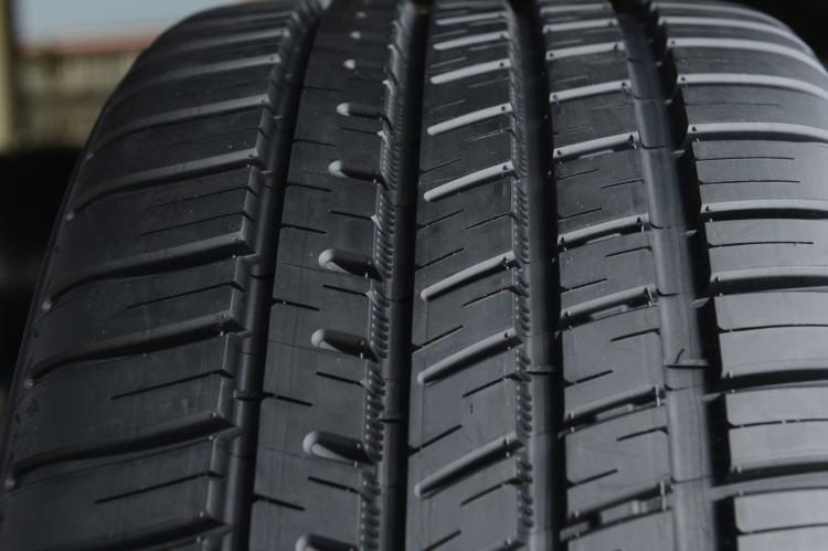Michelin Pilot Sport All Season 3 Tread Detail 4 750x499
