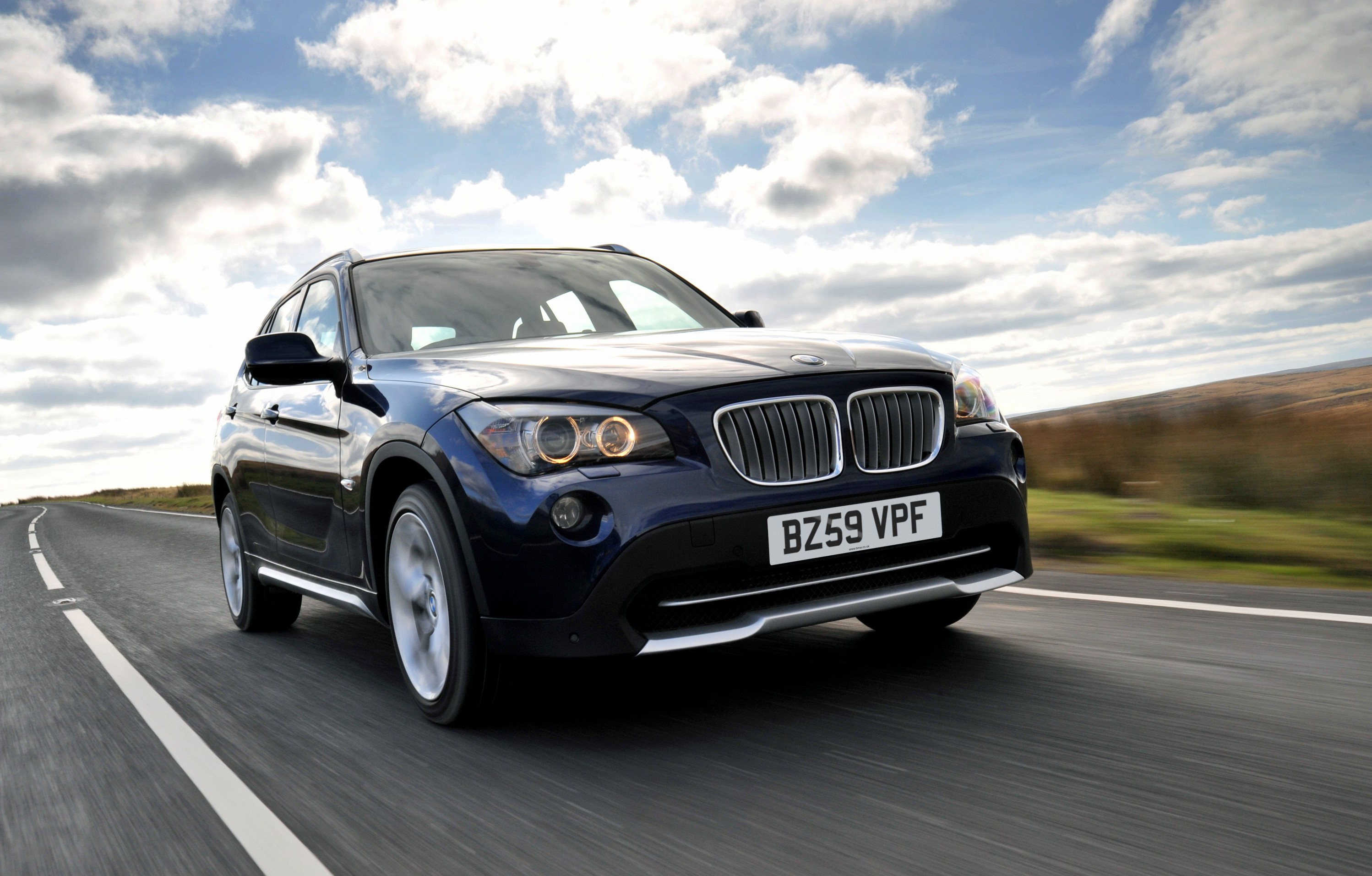 Wallpapers Bmw X1 In Deep Sea Blue