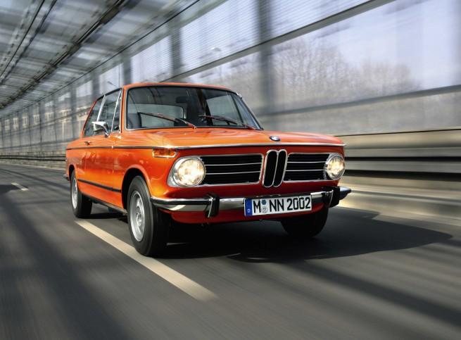 S0 Une BMW 2002 Tii neuve 52610 655x483