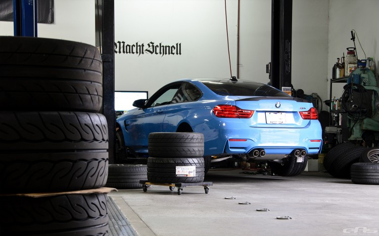 Yas Marina Blue BMW F82 M4 With Cosmetic Upgrades 1 750x468