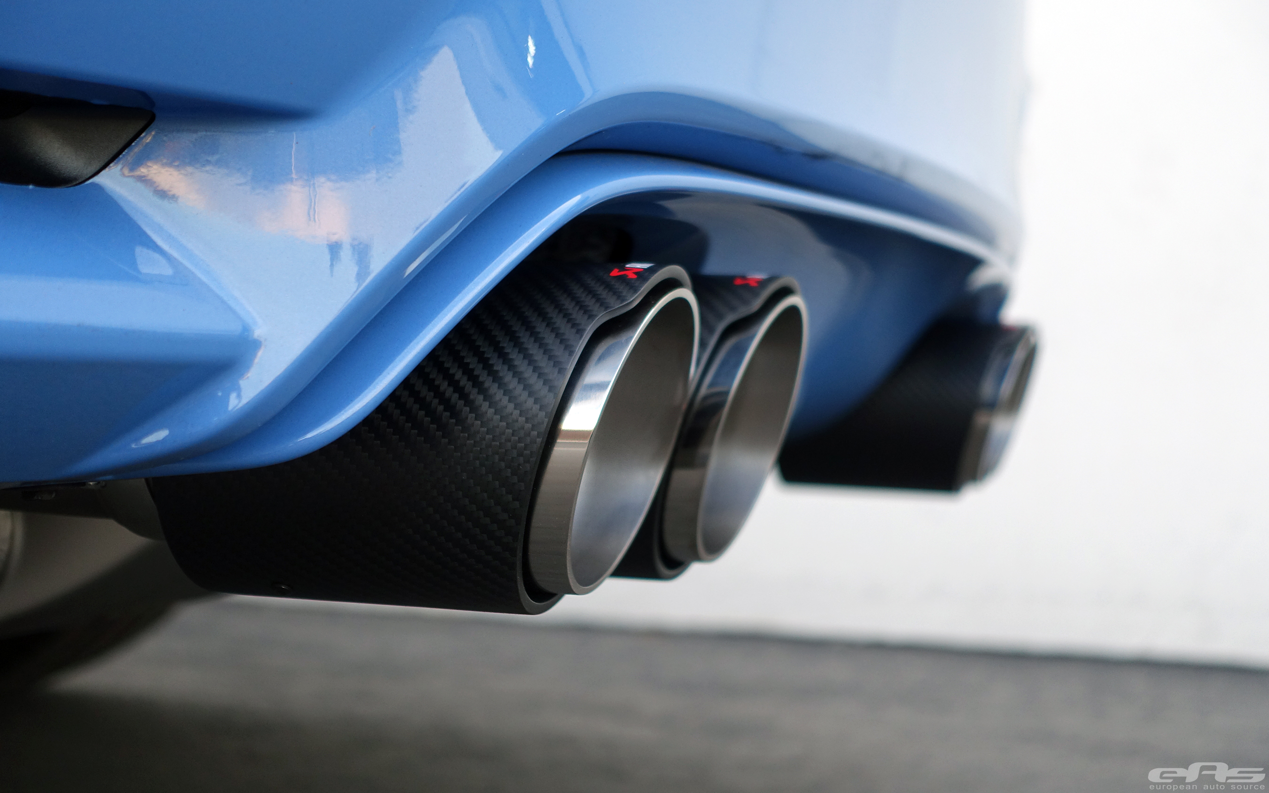 Bmw M4 Exhaust Tips >> Yas Marina Blue BMW M4 Receives An Akrapovic Exhaust System
