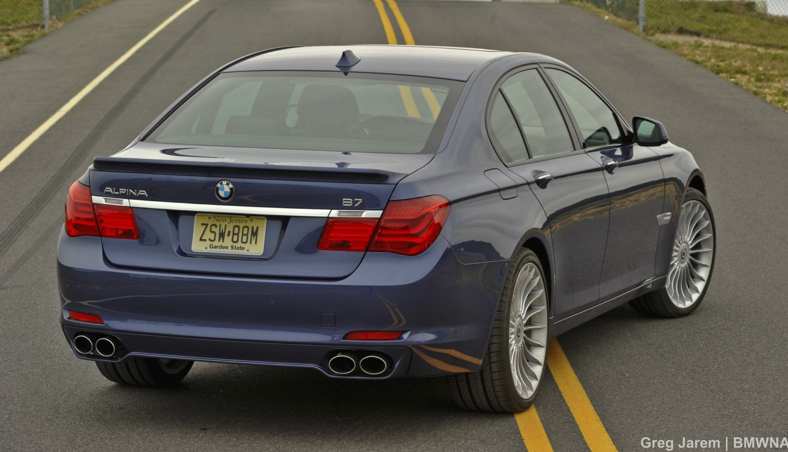 Exclusive Photos: ALPINA B7 at the race track