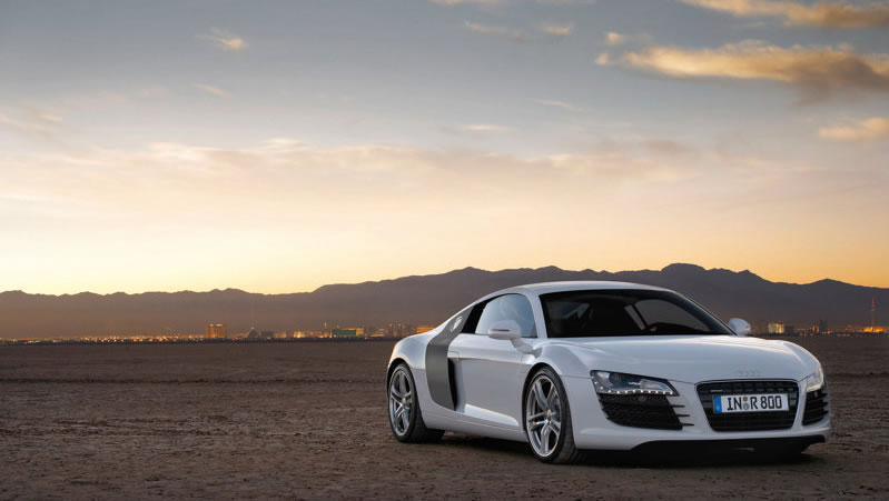 Audi R8 wins the Automobile Of The Year Award