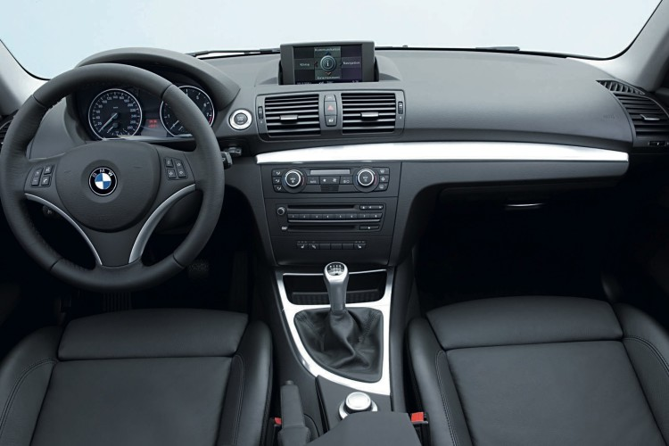 bmw 1 series coupe interior 750x500