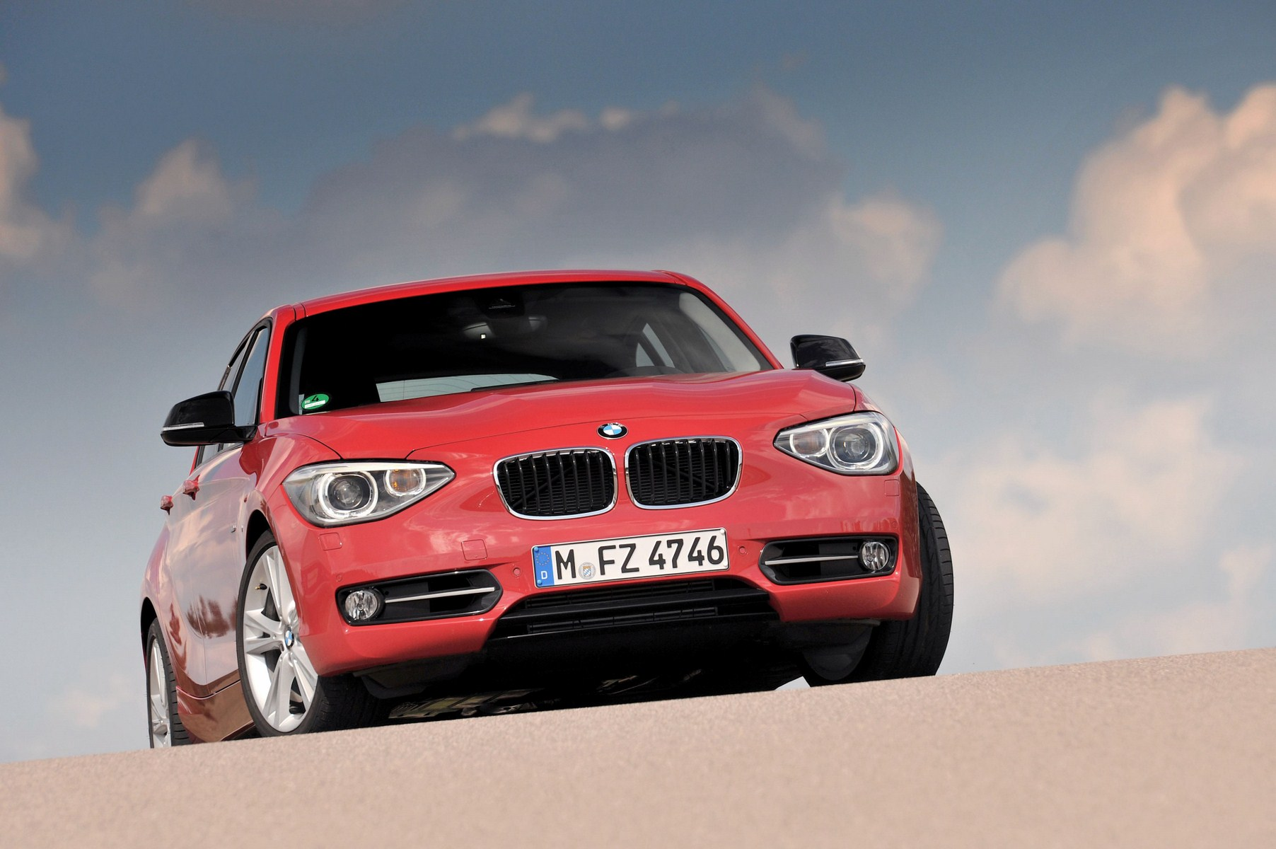 bmw 1 series crimson red 561