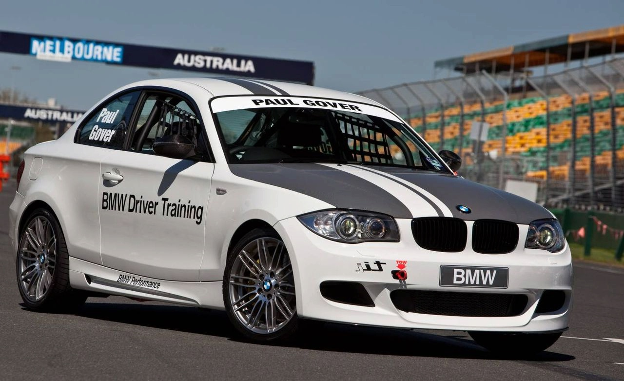 bmw 135i coupe tii to race v8 supercar and bmw sauber. Black Bedroom Furniture Sets. Home Design Ideas