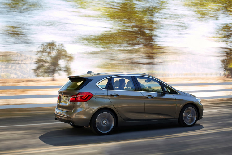 bmw 2 series active tour exterior 9 750x500
