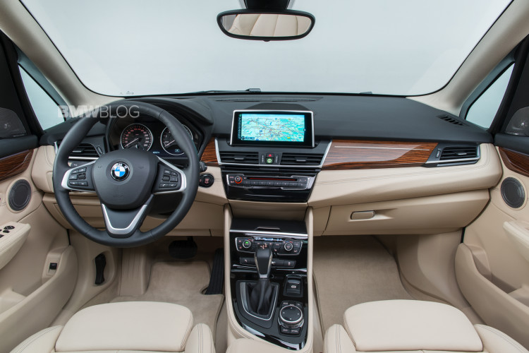 bmw-2-series-active-tour-interior-8