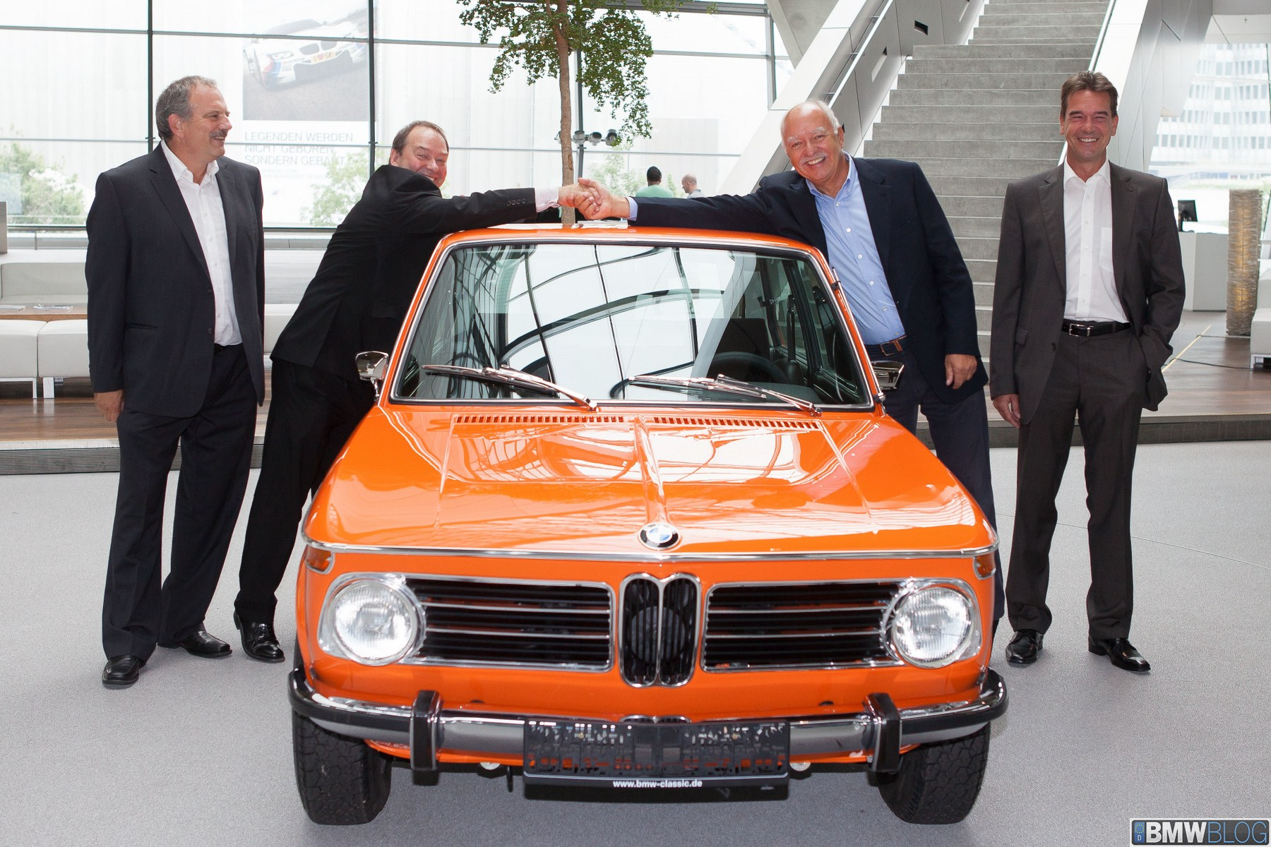 BMW Classic restores a 1972 BMW 2000 Touring