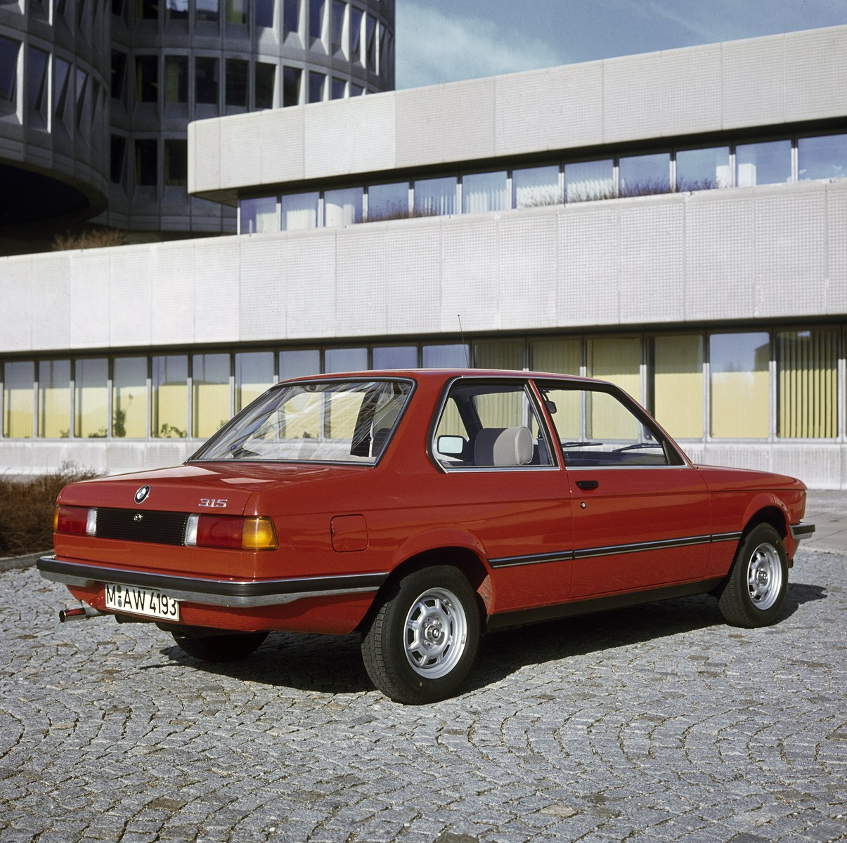 Bmw 3 Series Generations: The Success Story Of A Global Trendsetter: Five