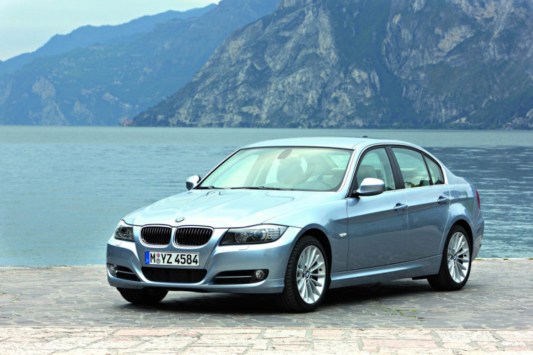 Bmw Recalls Nearly 570 000 Cars To Fix Battery Cable