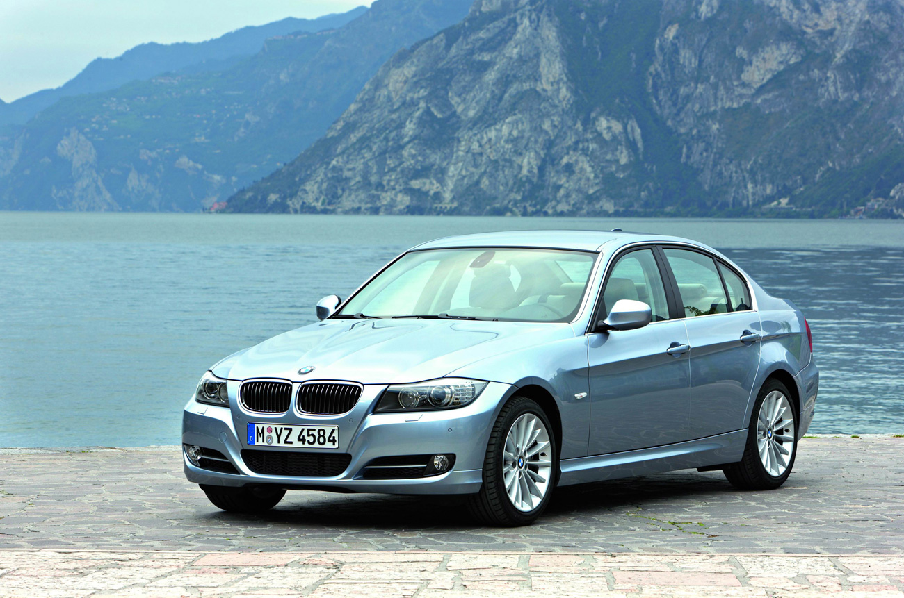 Bmw Recalls Nearly 570000 Cars To Fix Battery Cable Connectors 2014 M6 Fuse Box 3 Series E90 655x433