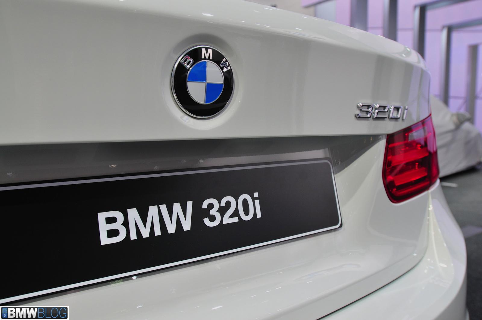 bmw 320i 01