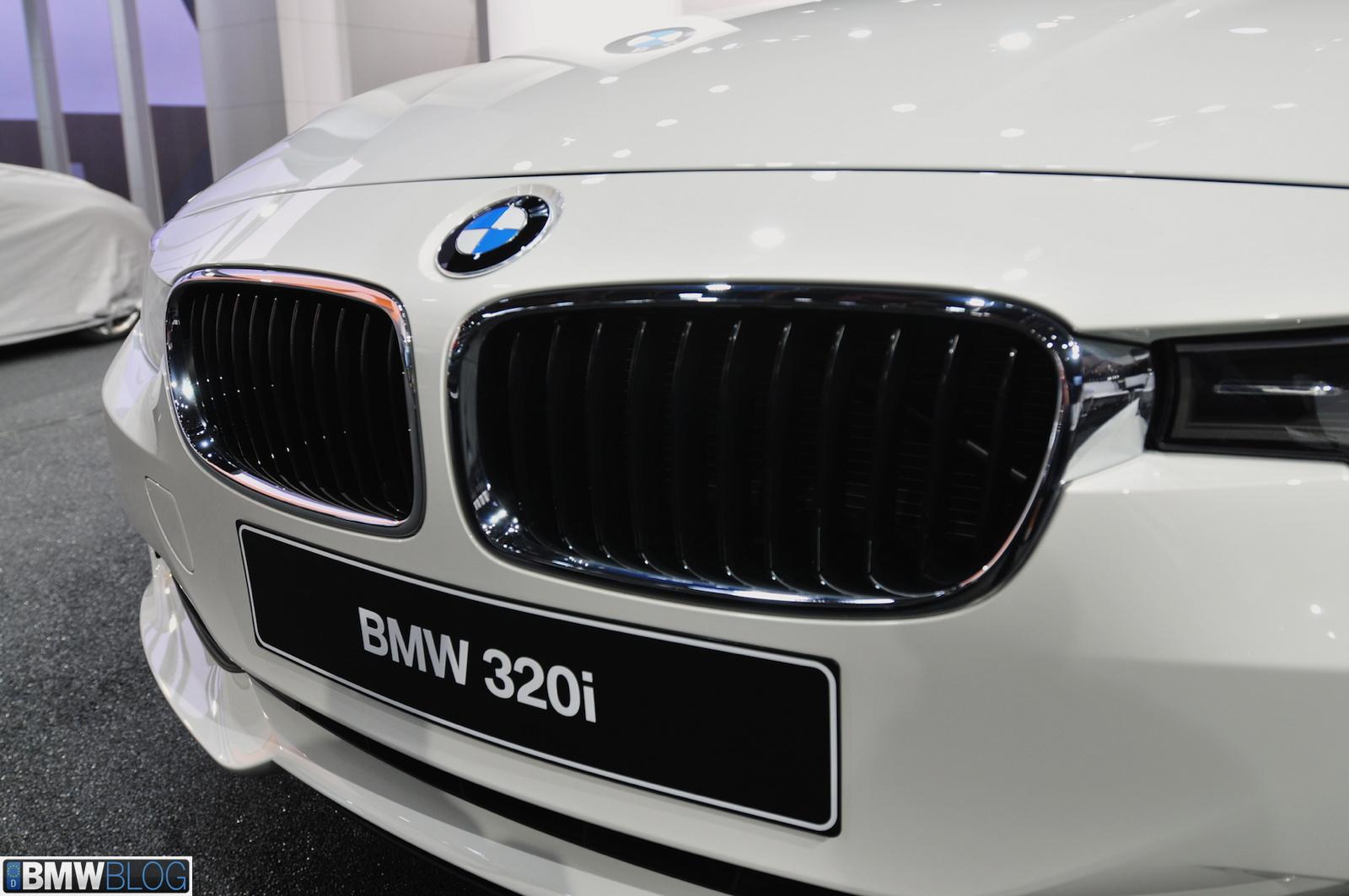 bmw 320i 04
