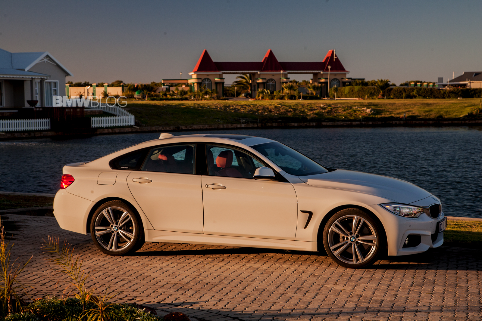 bmw 4 series gran coupe alpine white and m sport package. Black Bedroom Furniture Sets. Home Design Ideas