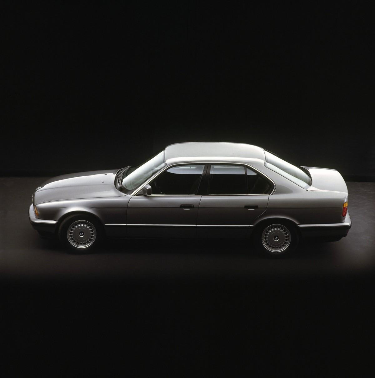 Bmw Z2: History Of The BMW 5 Series