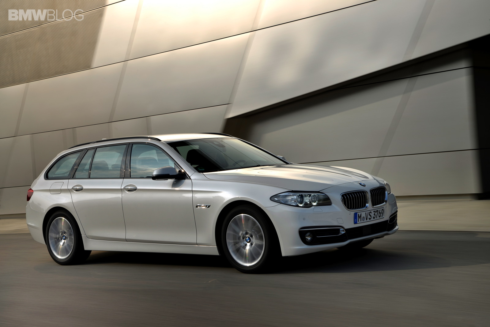 2012 paris motor show bmw 520d touring cashmere silver with liquid black alloy wheels. Black Bedroom Furniture Sets. Home Design Ideas
