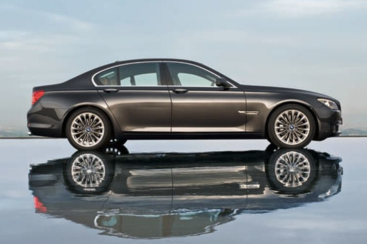 bmw 7 series lede shot 750x500