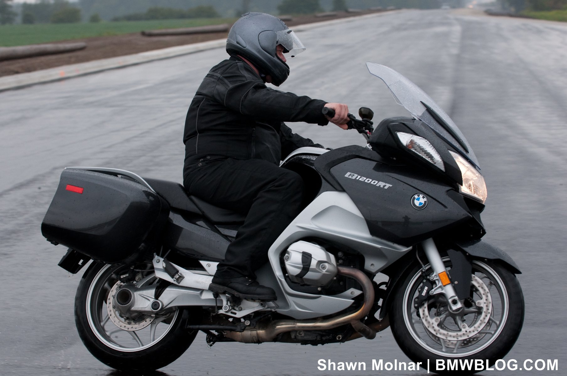 bmwblog ride review 2011 r1200rt  the well rounded ride
