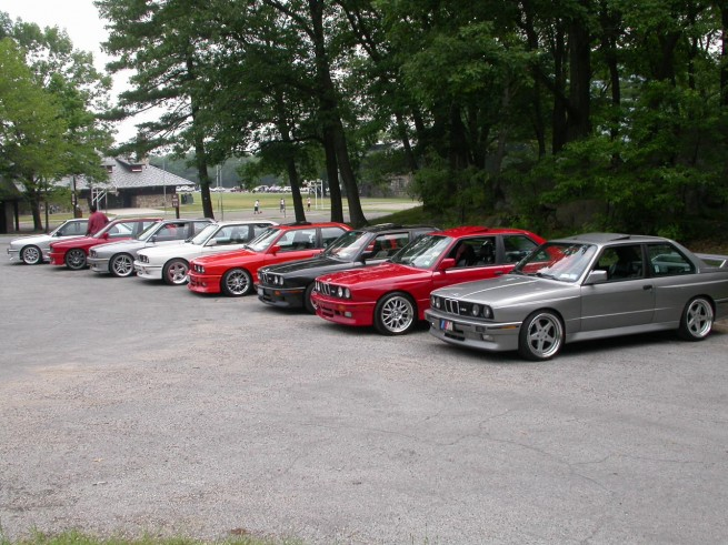 bmw e30 m3 lined up bear mountain 655x491