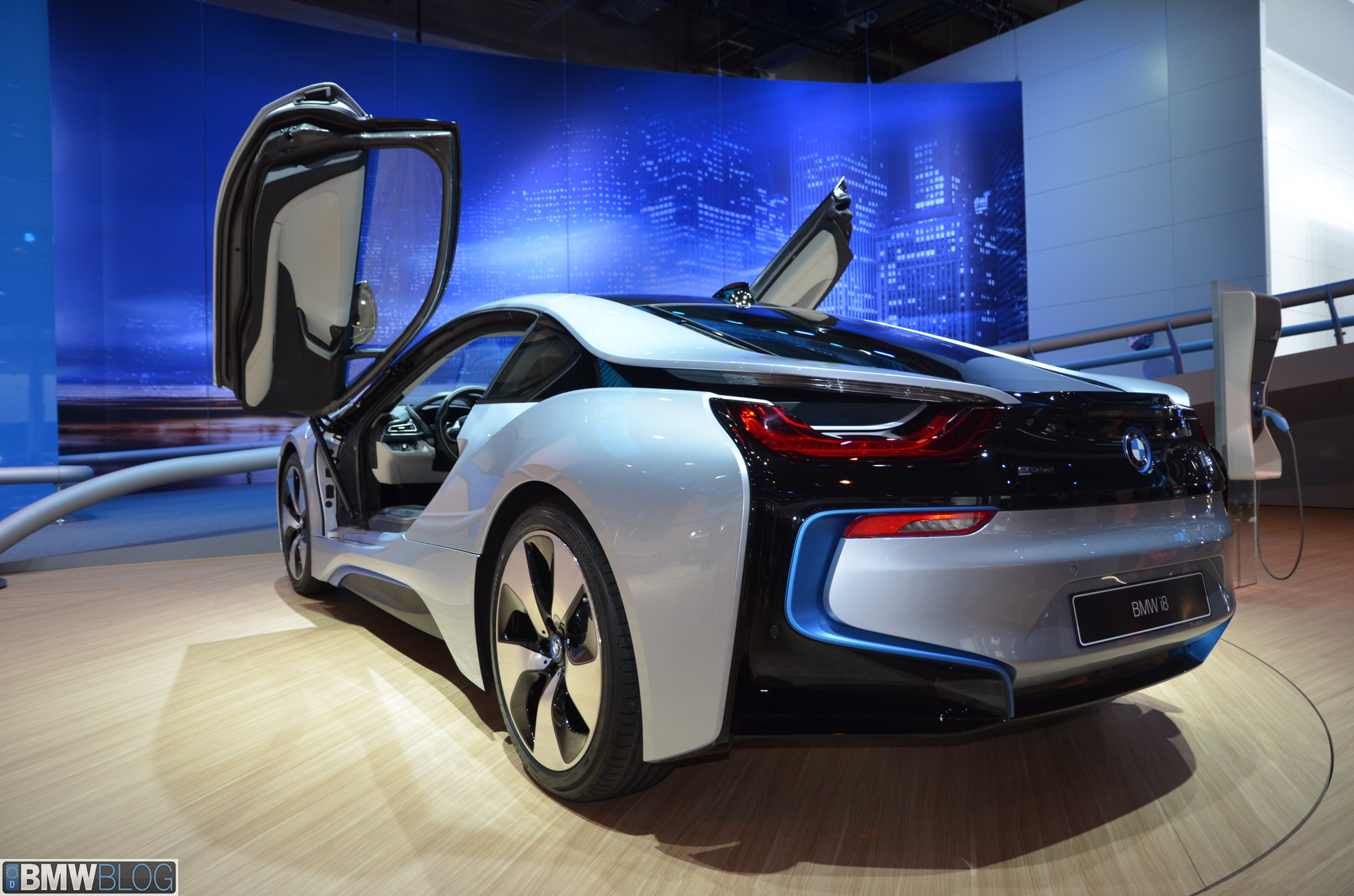 Bmw I8 Video From 2013 Frankfurt Auto Show