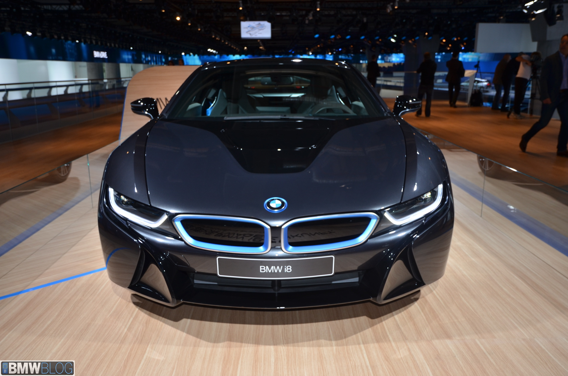 Bmw I8 In Detail Carbon Fiber