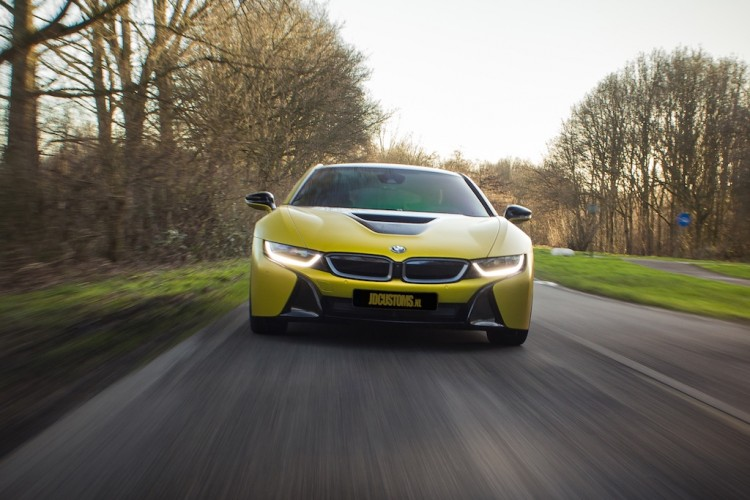 bmw i8 frozen yellow 2 750x500