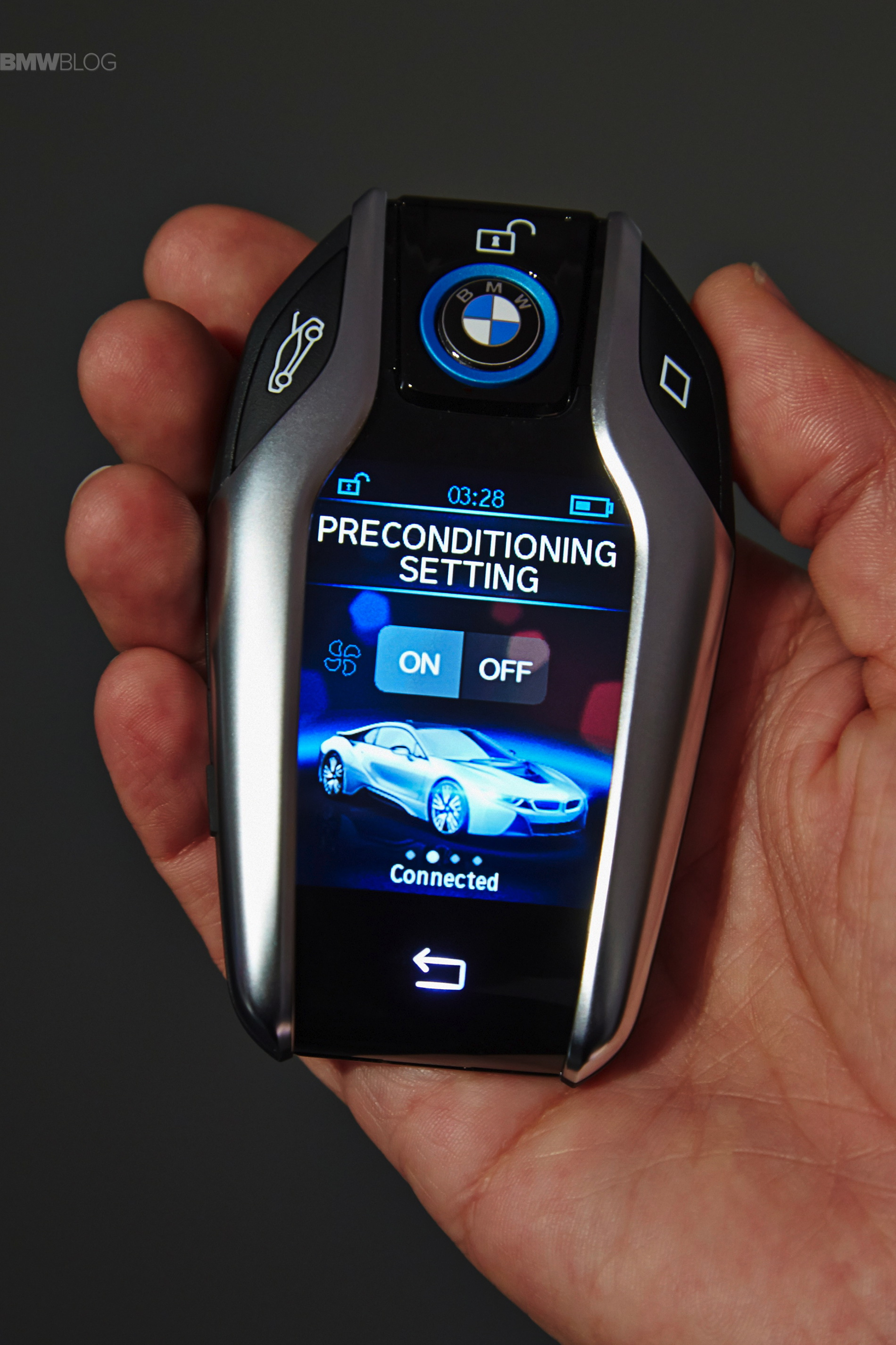 BMW Introduces The Key Fob With Touchscreen Display