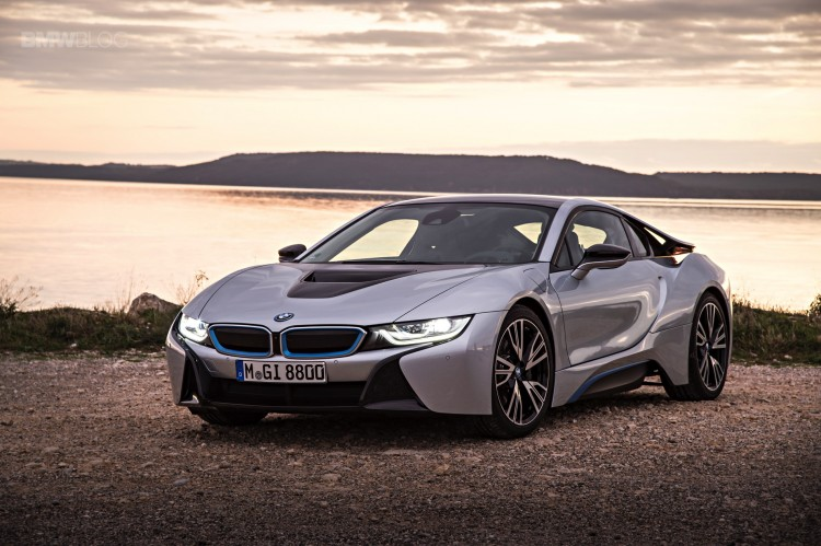 bmw-i8-laser-lights-images-15