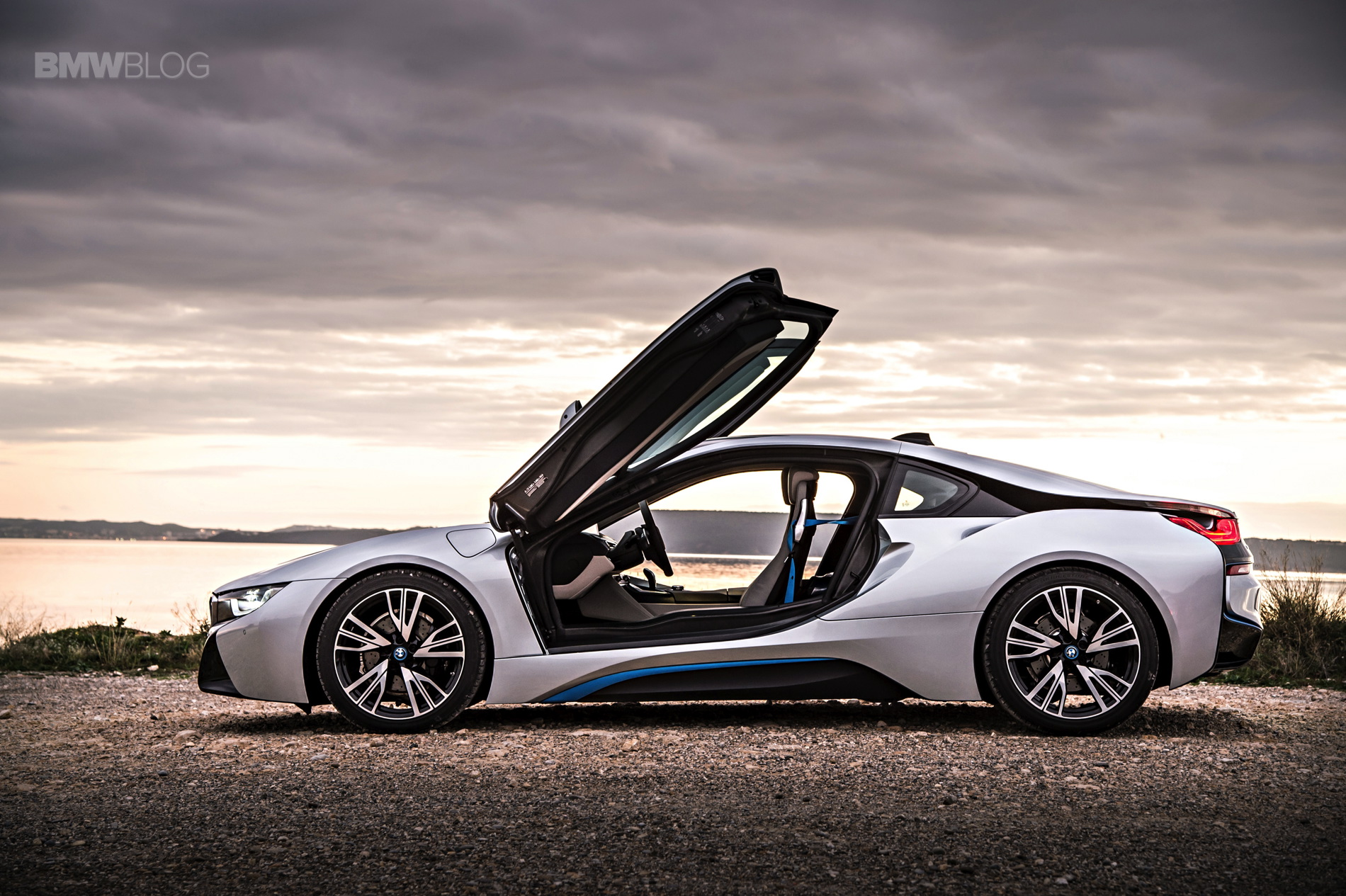 bmw i8 laser lights images 17