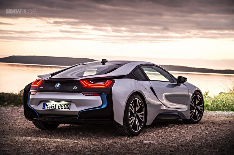 bmw-i8-laser-lights-images-18