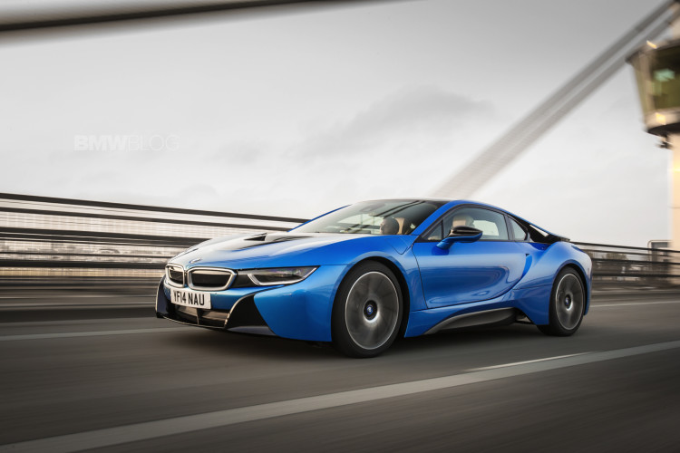 bmw i8 protonic blue 0 750x500