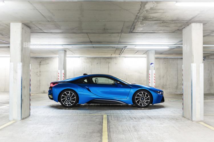 bmw i8 protonic blue 10 750x500