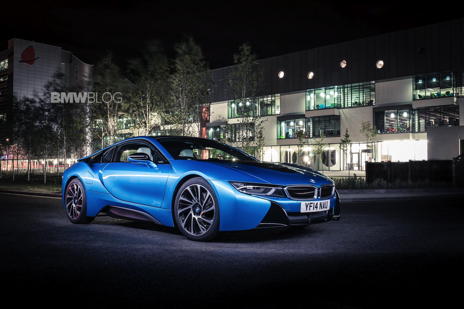 bmw i8 protonic blue 17