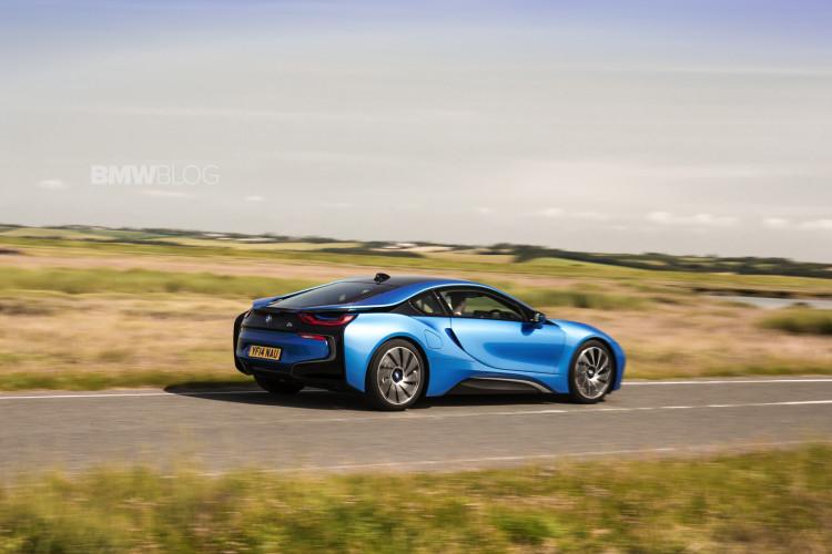 bmw i8 protonic blue 40 750x500