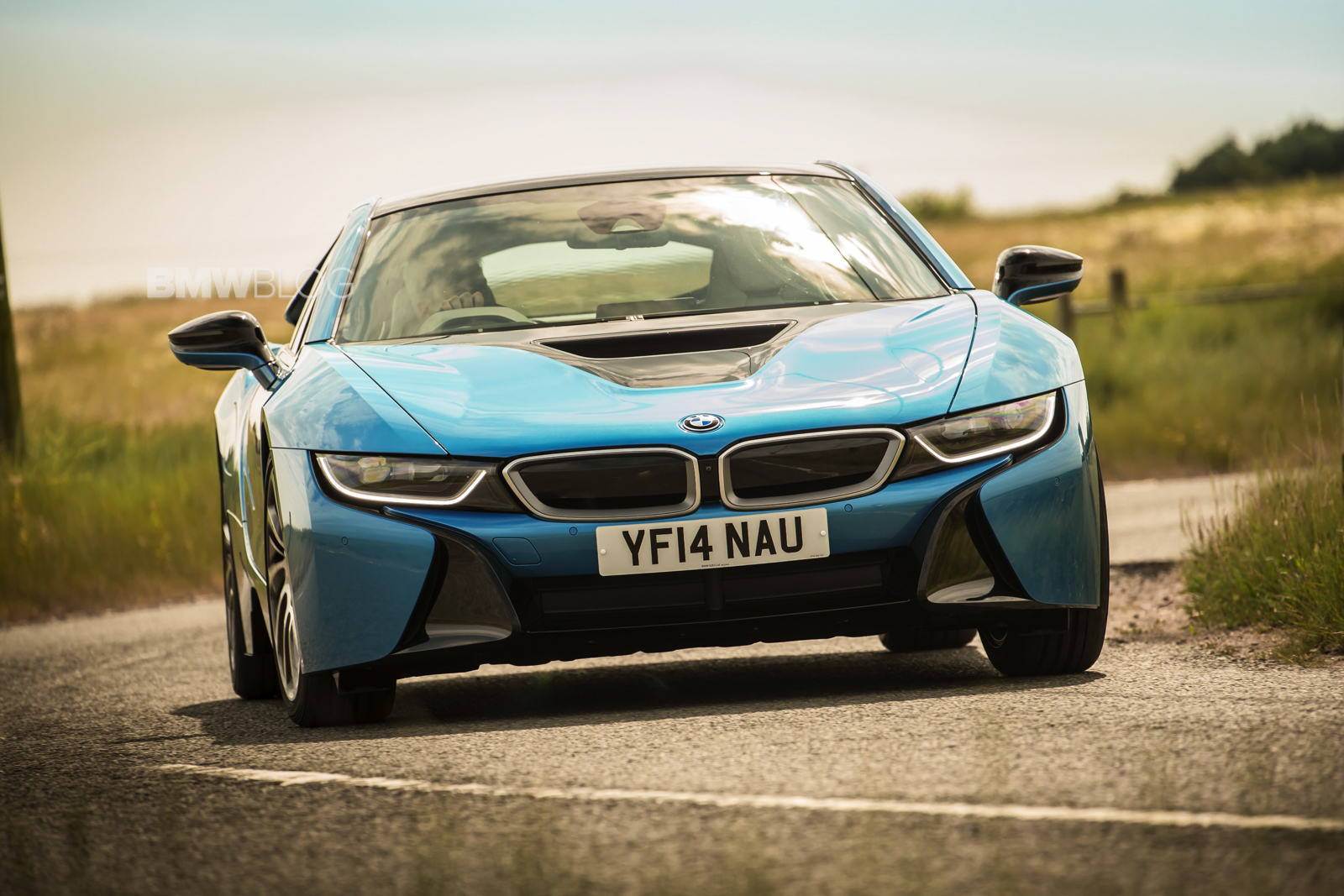 bmw i8 protonic blue 46