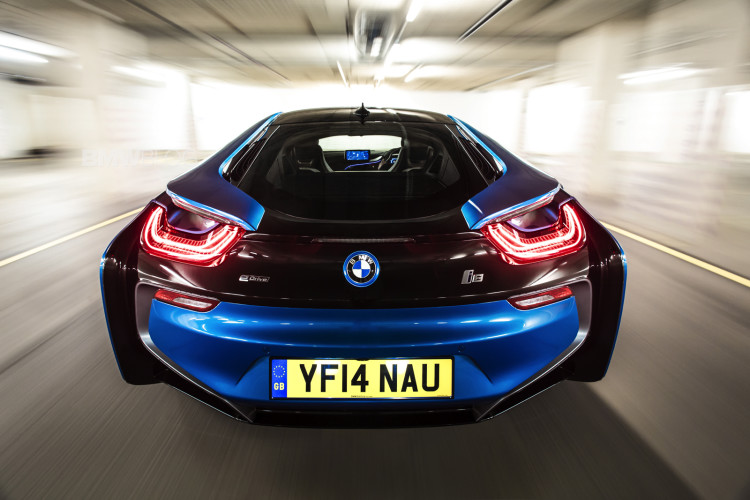 bmw i8 protonic blue 5 750x500