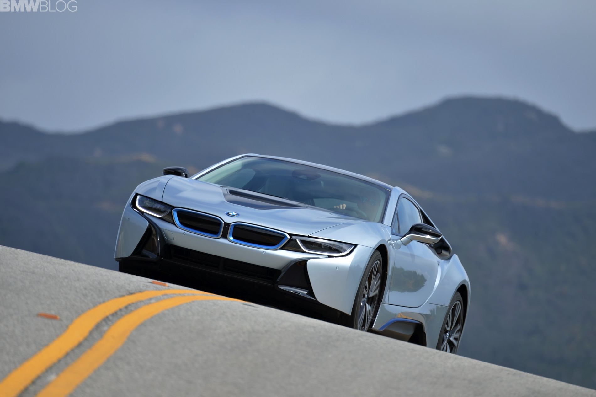bmw i8 test drive review 01