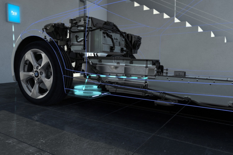 bmw inductive charging 8 750x500