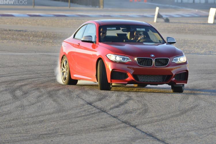 bmw m235i drifting 34 750x500