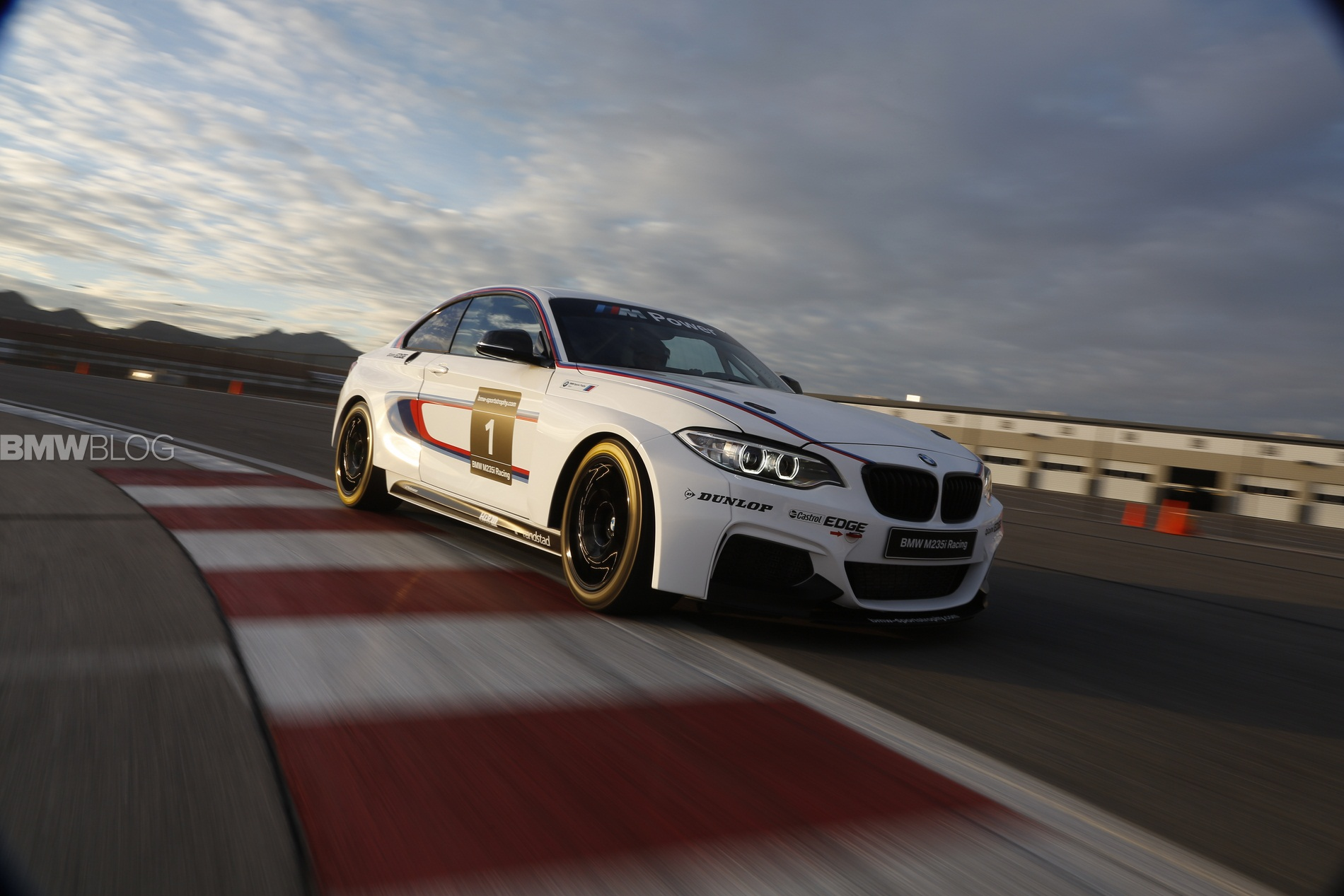 BMW M235i Racing: Video shows Race Car assembly in Leipzig