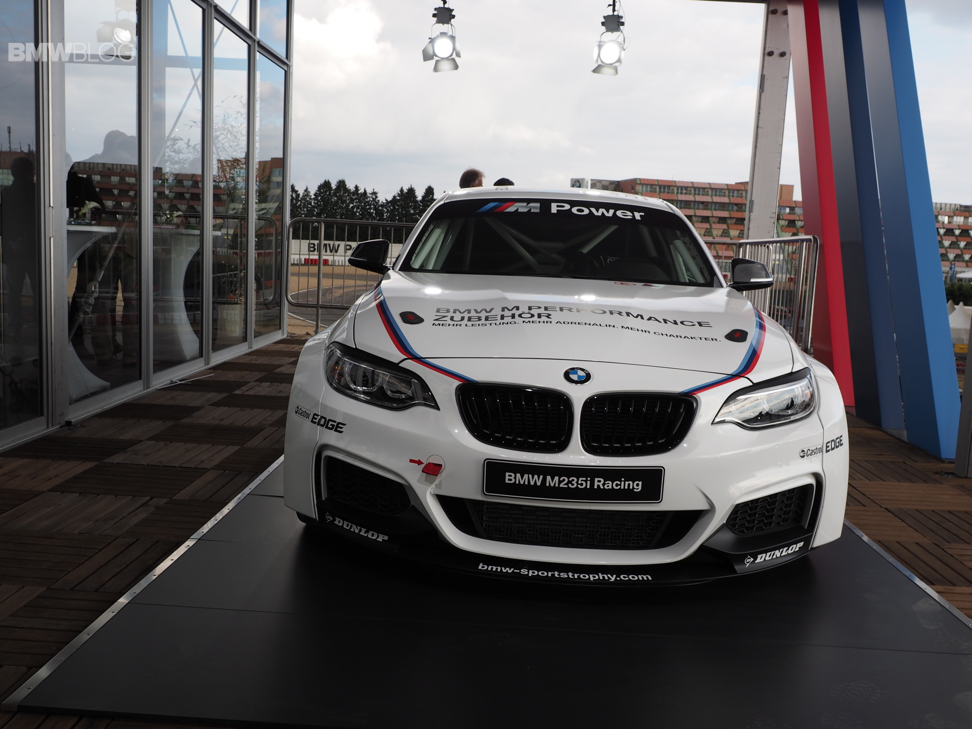 bmw m235i racing photo 0