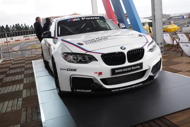 bmw m235i racing photo 2 750x500