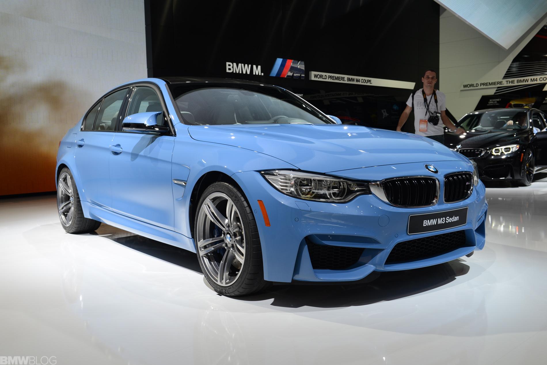 VIDEO: BMW M3 in Yas Marina Blue