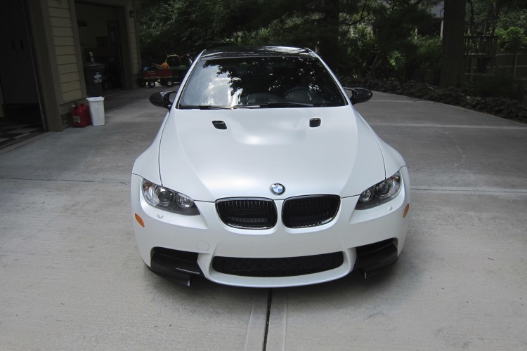 bmw m3 frozen white 40 750x500
