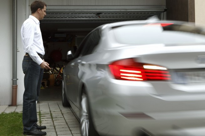 bmw remote controlled parking 5 655x436