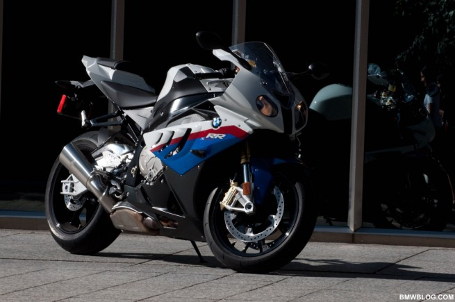 bmw-s1000rr-review-12